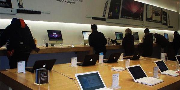 Apple-Store-Inner