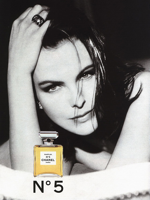 Carole-Bouquet-chanel-1986