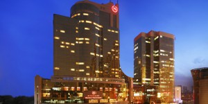 chinas-anbang-challenges-starwood-offer-0