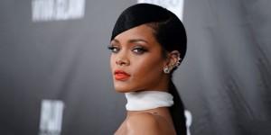 Rihanna-0415
