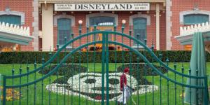 Walt Disney-20200420